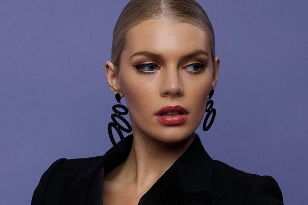 Asymmetric Ellipses - Black | Toolally app lifestyle image