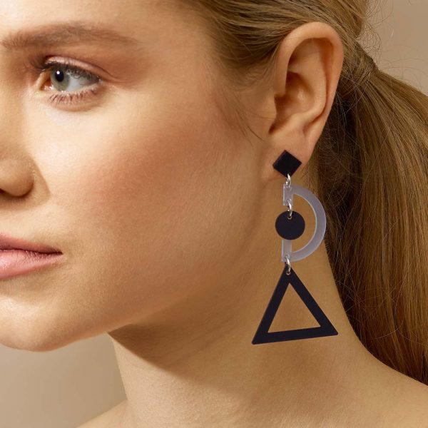 toolally_classics_grafics_electric_earring_lifestyle