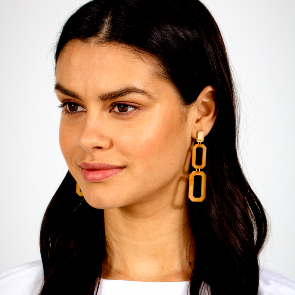 toolally_luxe_Double_Cascade_Mica_earring_lifestyle