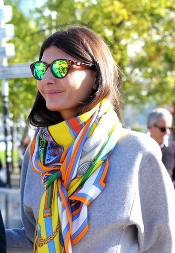 v-neck_style_scarf
