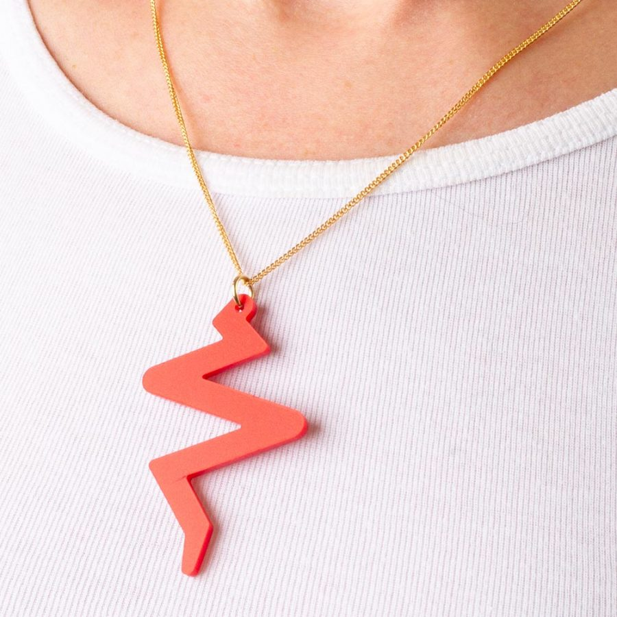 Toolally_Beats_Pendant_Royal_Red_Lifestyle_2