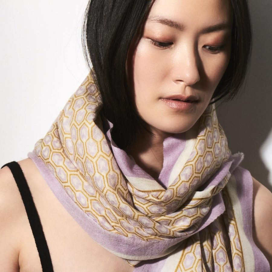 Toolally_Houndstooth_Scarf_Lilac_Lifestyle