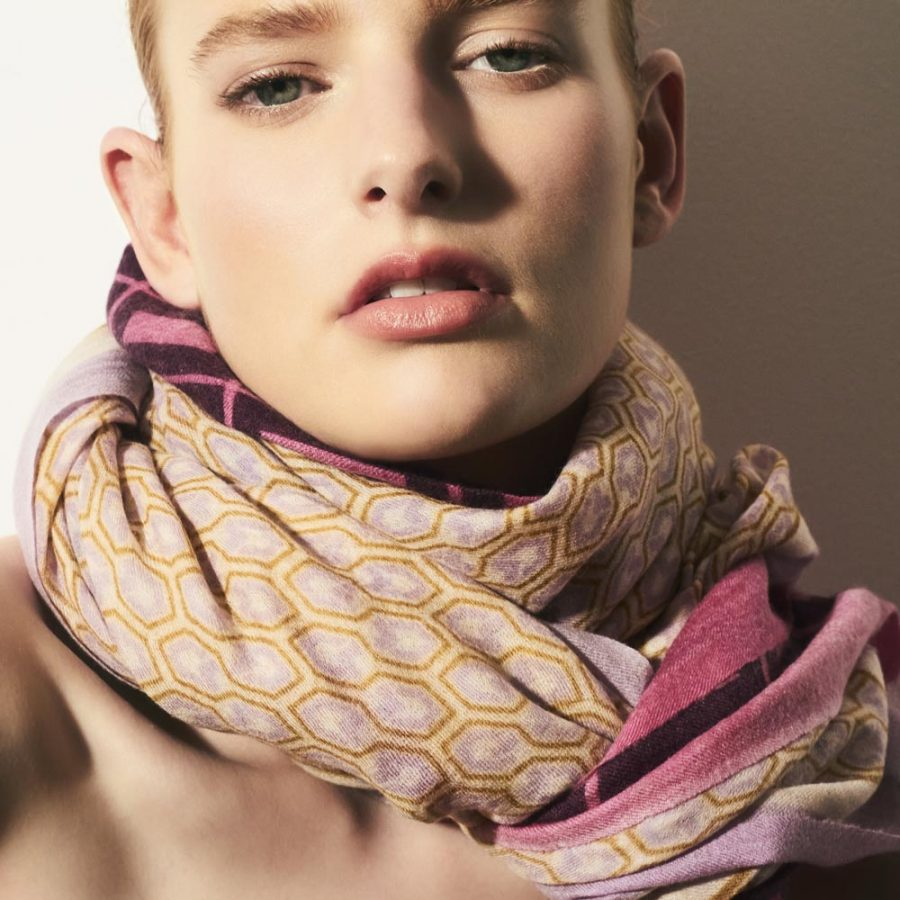 Toolally_Houndstooth_Scarf_Lilac_Lifestyle_3