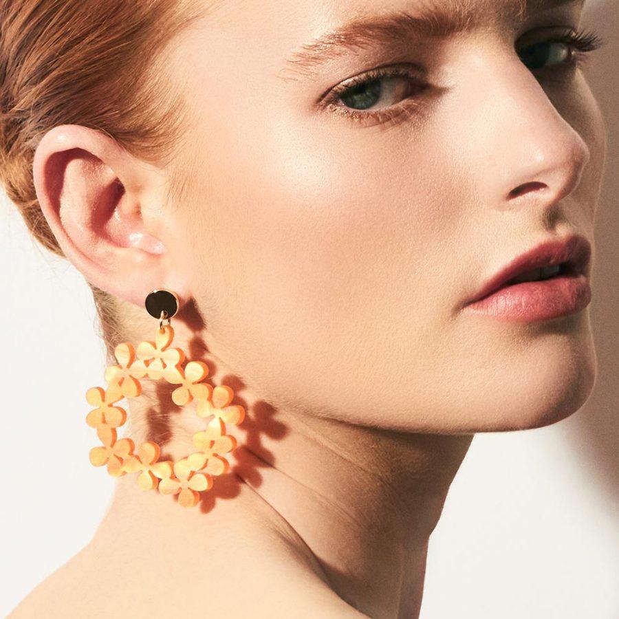 Toolally Daisy Chain in Orange Pearl