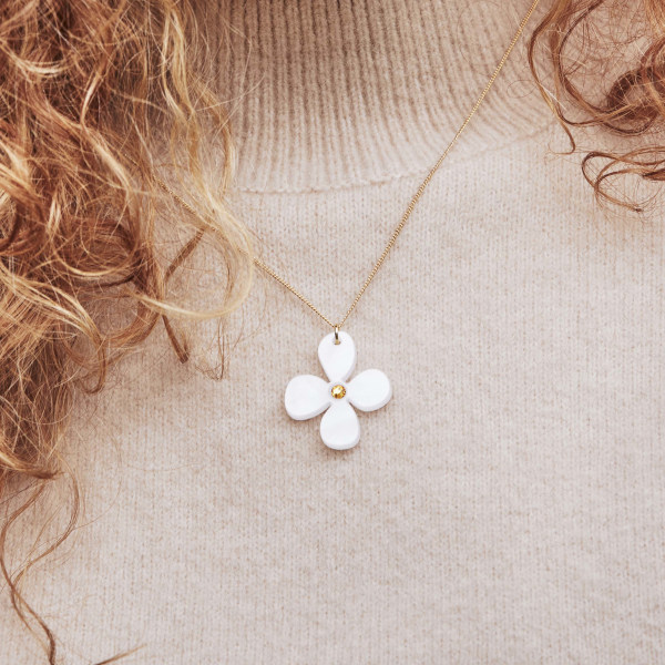 Toolally Daisy Pendant White Pearl