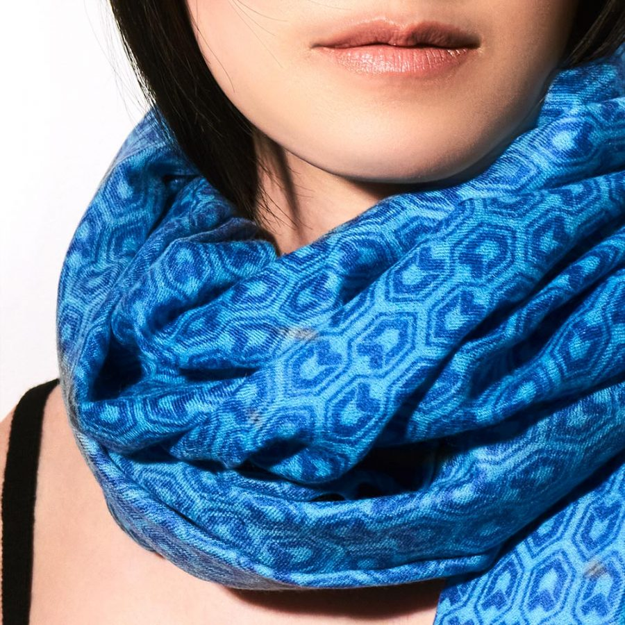 Toolally_Houndstooth_Scarf_lifestyle_2